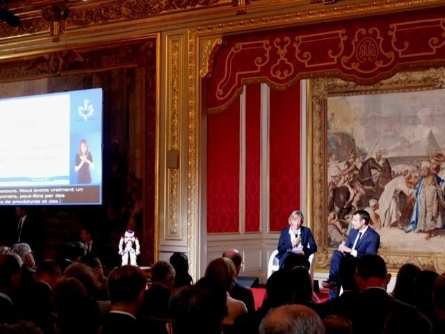 Plan autisme Emmanuel Macron et Sophie Cluzel