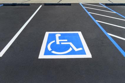 Stationnement et handicap : Deux cartes en circulation